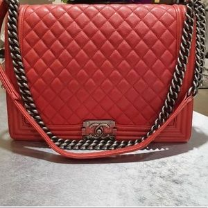 Chanel boy large red